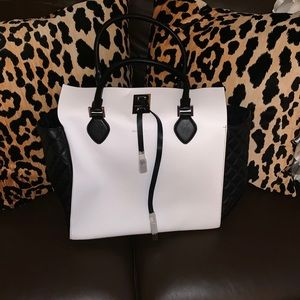 NWT Michael Kors white tote with black quilting
